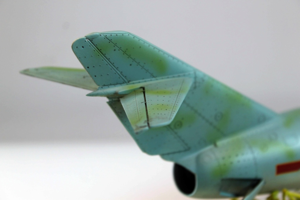Mig 15 Trumpeter 1/32 - Page 3 Img_9725