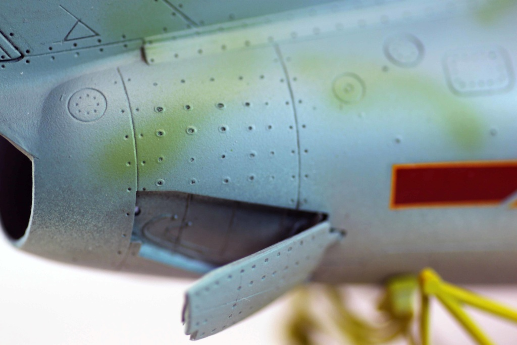 Mig 15 Trumpeter 1/32 - Page 3 Img_9726