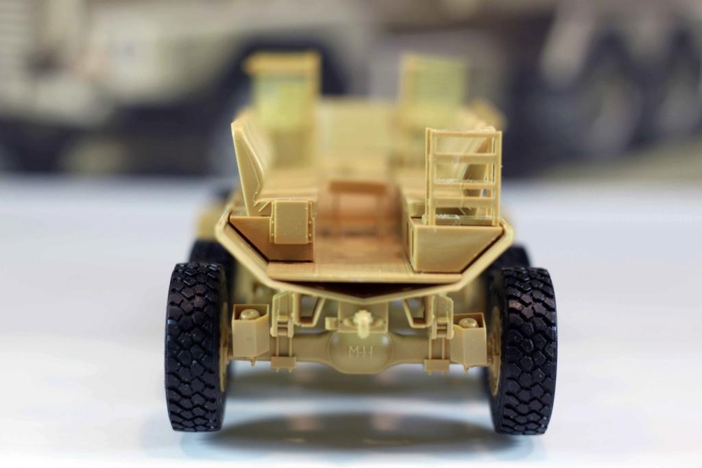U.S. COUGAR 6X6 Mrap vehicle MENG 1/35 Termine - Page 2 Img_9815