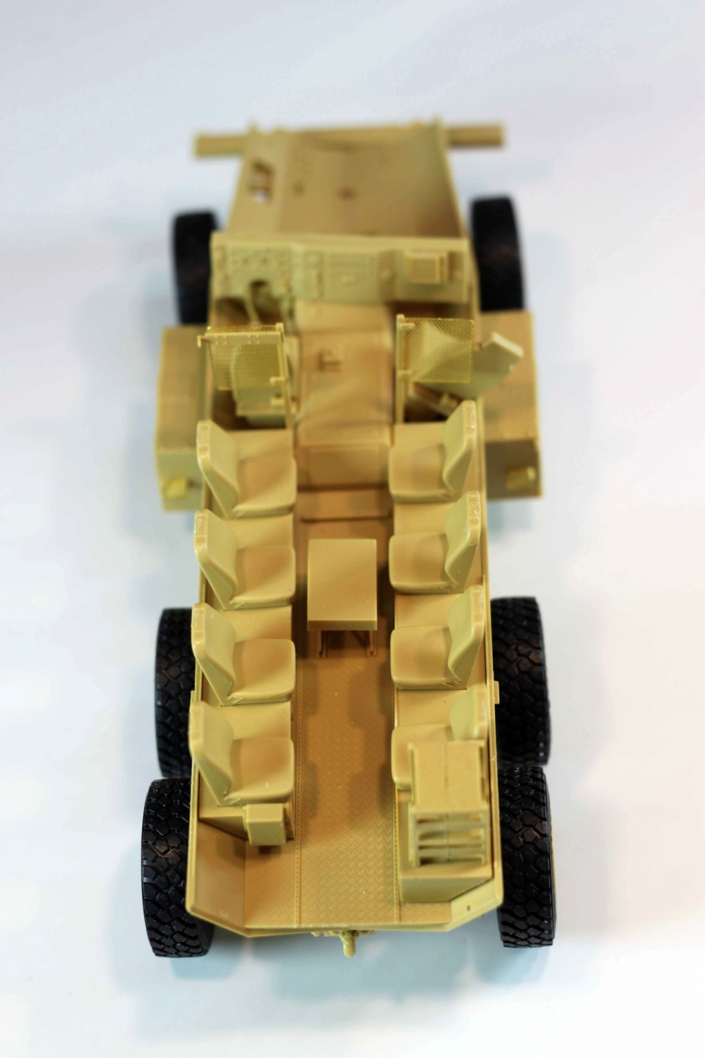 U.S. COUGAR 6X6 Mrap vehicle MENG 1/35 - Page 2 Img_9817
