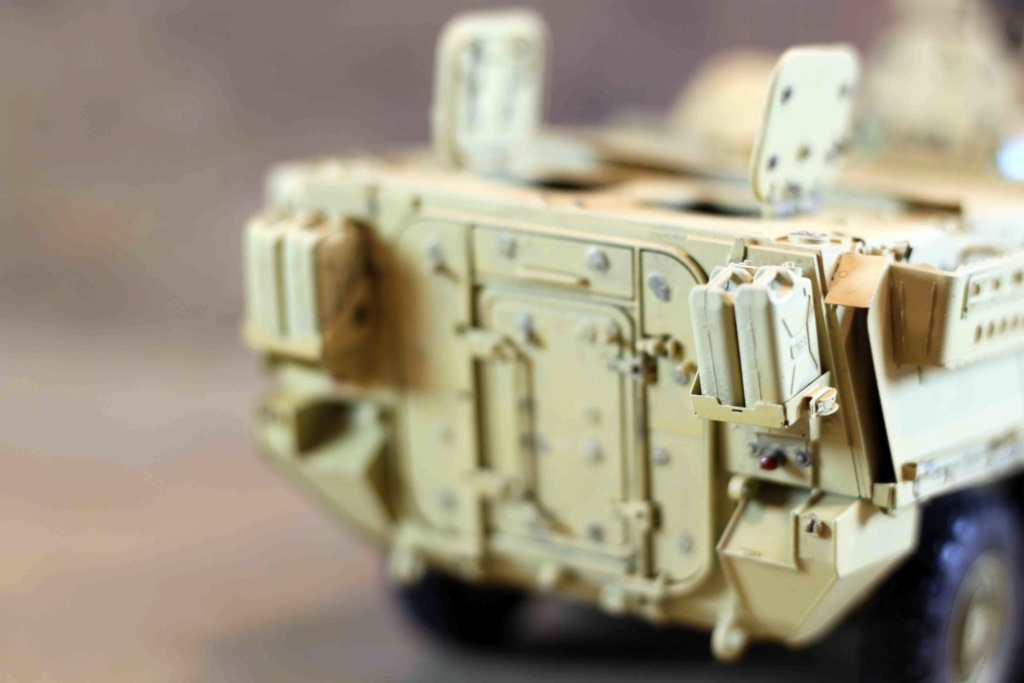 "Stryker M1131 "" Desert Storm "" Trumpeter 1/35 Img_9837"