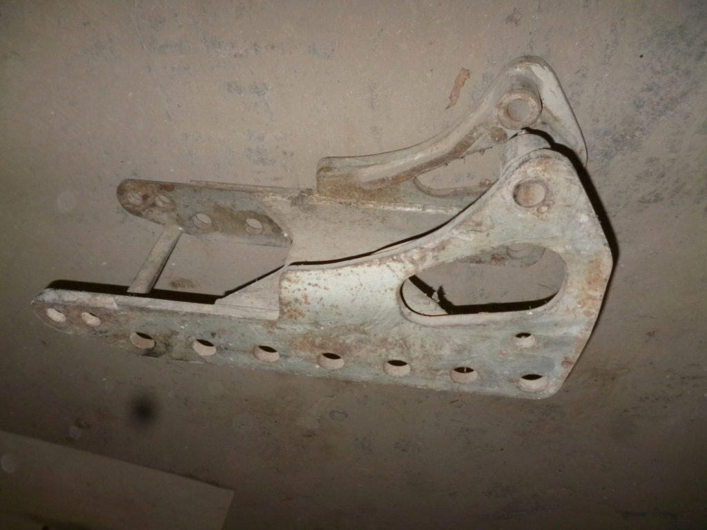 TRACTEUR - (Cherche) identification de chappe et echelle vieux tracteur P1040810