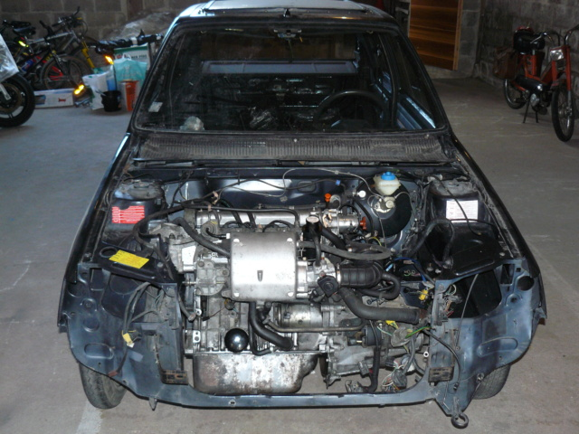 [35] 205 GTI 1L6 - 115cv - AM87 - Gris Graphite P1020211