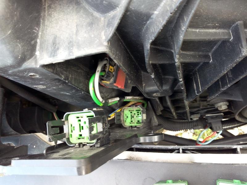 Température moteur 2.0L (EW10J4) - Page 4 Motove10