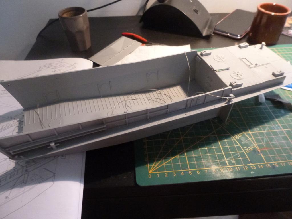 LCM/Dinassaut - Italeri/U-Models-1/35 P1060315