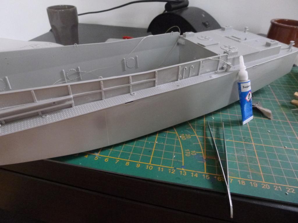 LCM/Dinassaut - Italeri/U-Models-1/35 P1060319