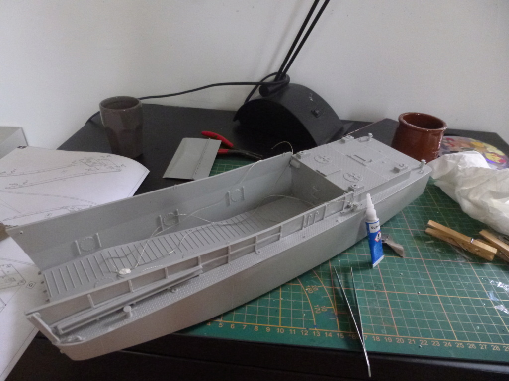 LCM/Dinassaut - Italeri/U-Models-1/35 P1060320