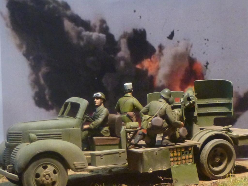 FFL GSA  camion Dodge -Tunisie 1942 - 1/35 Azimut Production P1070127