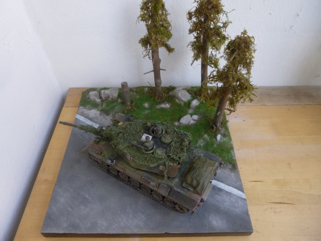 REFORGER Allemagne année 70 - 1:35 -Italeri Leopard 1A4-Valkyrie miniatures P1070527