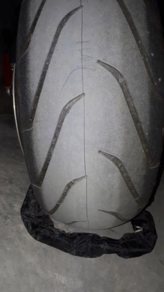 Coupures sur pneus av ar scorcher  11 20181218