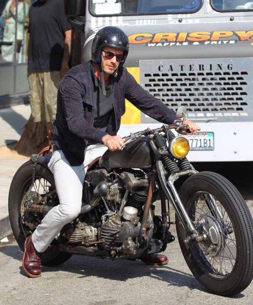 Ils ont posé avec une Harley, uniquement les People - Page 6 6e3f3c10