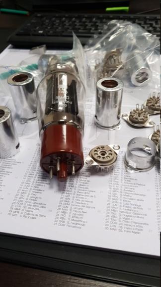 Un amplificatore per cuffie elettrostatiche ( コジンスキー ) - Pagina 2 Img-2010