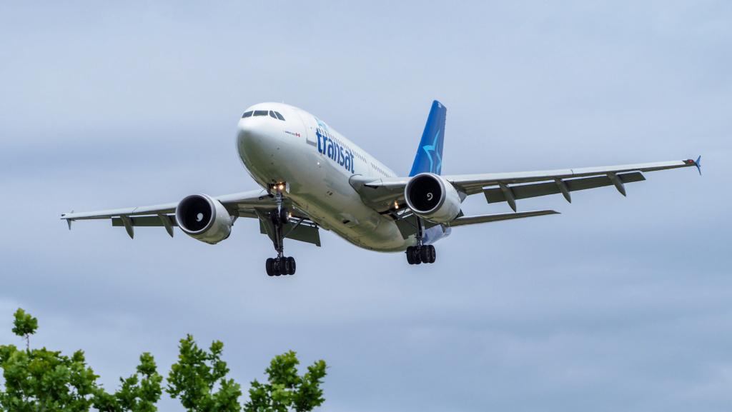 Air Transat P1011010