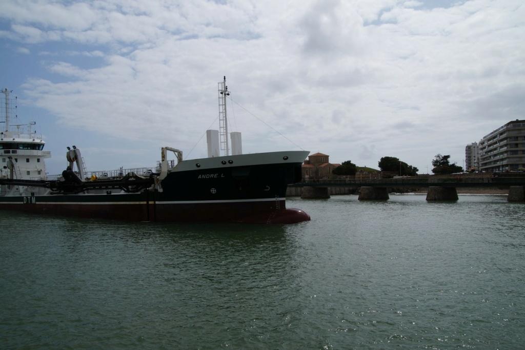[Vie des ports] Port des SABLES D'OLONNE Dsc01456