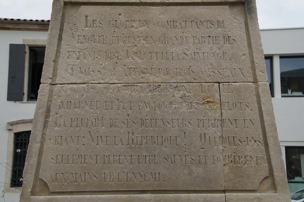 [ Histoires et histoire ] Monuments aux morts originaux Français Tome 2 - Page 23 Dsc05913