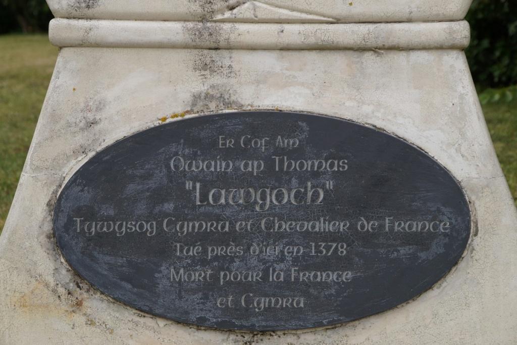 [ Histoires et histoire ] Monuments aux morts originaux Français Tome 2 - Page 8 Dsc09215