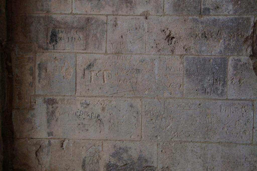 Fil ouvert-  Dates sur façades. Année 1602 par Fanch 56, dépassée par 1399 - 1400 de Jocelyn - Page 5 Dsc09311