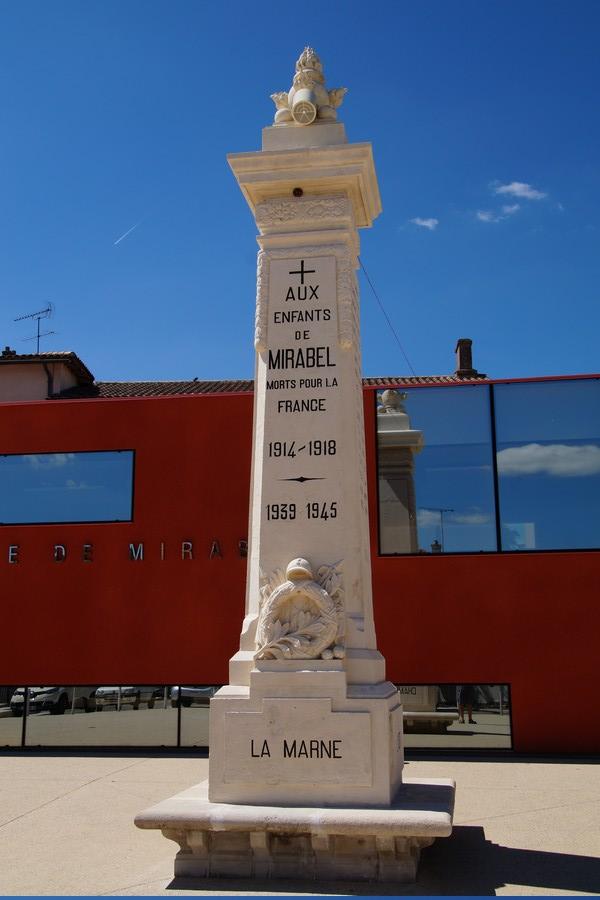 [ Histoires et histoire ] Monuments aux morts originaux Français Tome 2 - Page 9 Dsc09737