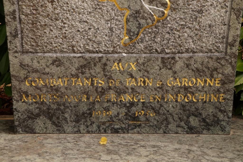 [ Histoires et histoire ] Monuments aux morts originaux Français Tome 2 - Page 9 Dsc09840