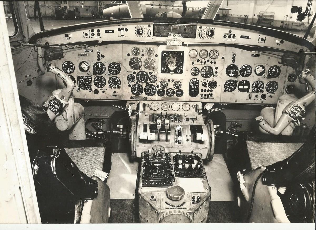 [Les anciens avions de l'aéro] Nord 262 - Page 2 Poste_10