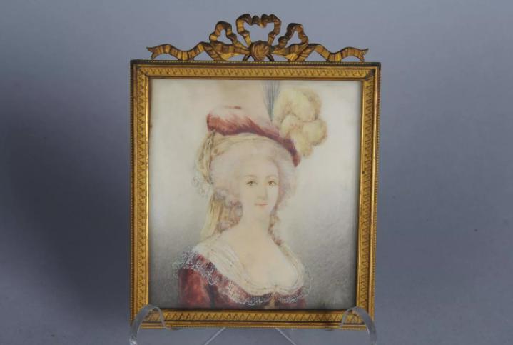 A vendre: miniatures de Marie Antoinette et de ses proches - Page 14 Zzz215