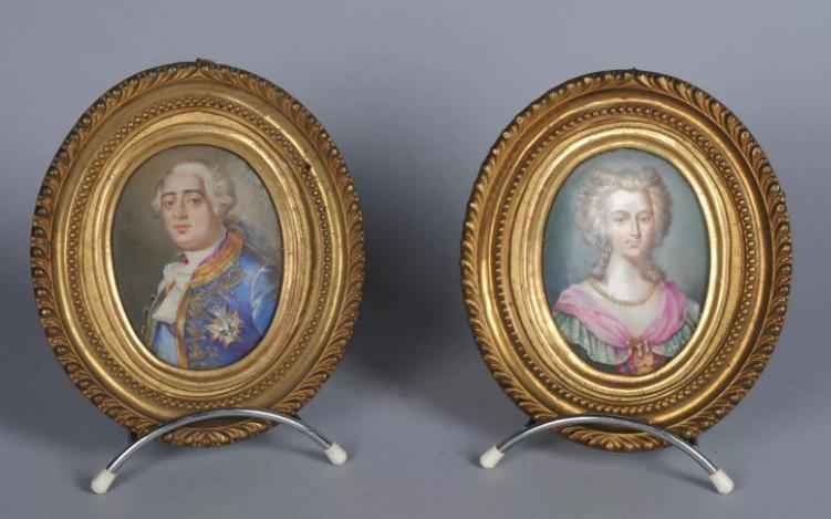 A vendre: Louis XVI et Marie Antoinette - Page 6 Zzz217