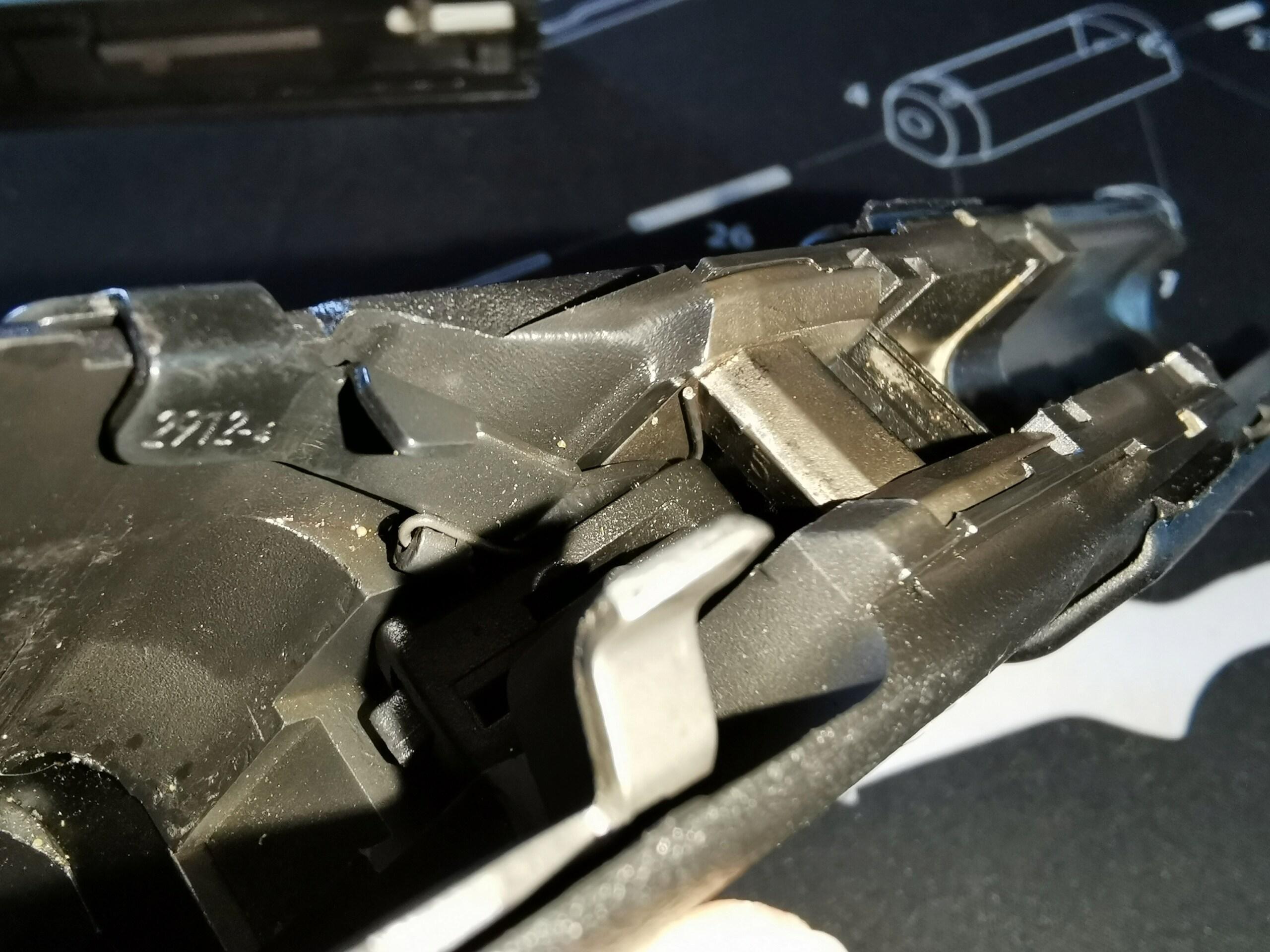 G17 gen 2 : culasse reste en arrière à chaque tir... 110
