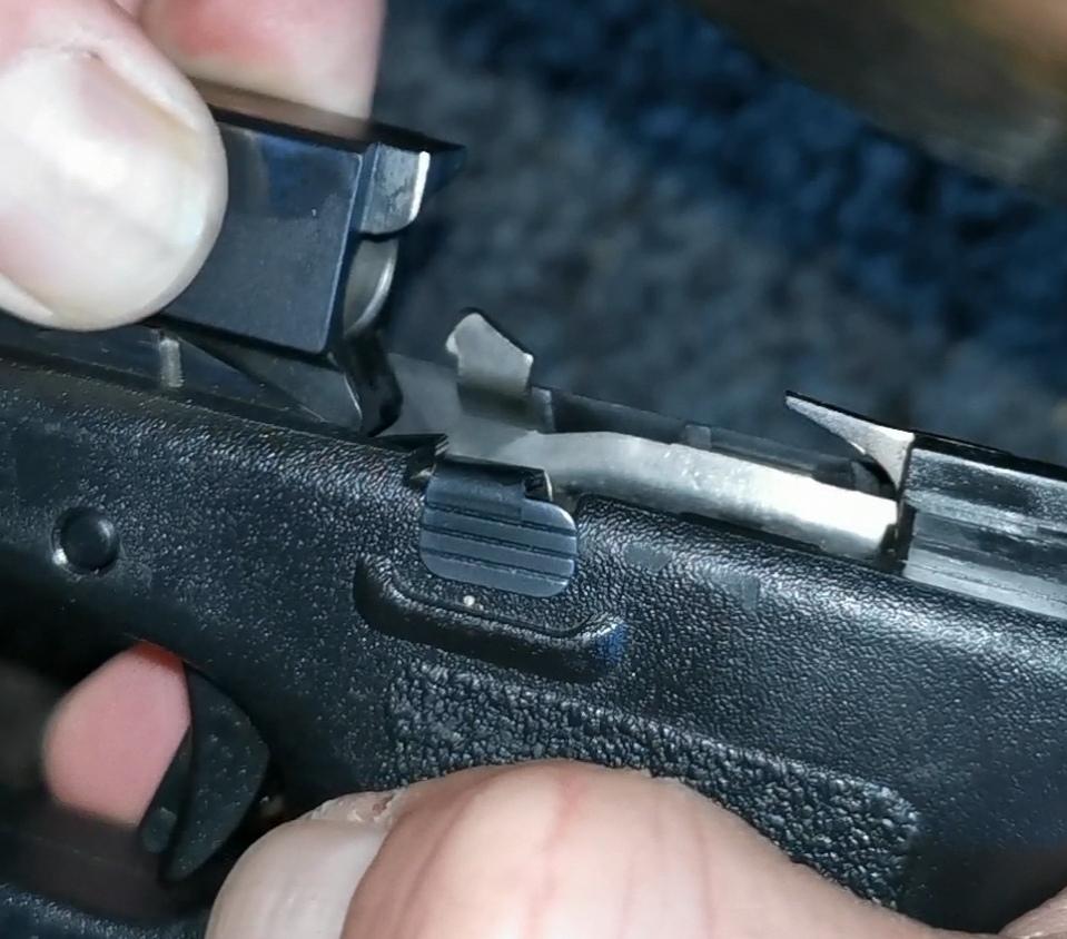 G17 gen 2 : culasse reste en arrière à chaque tir... 310