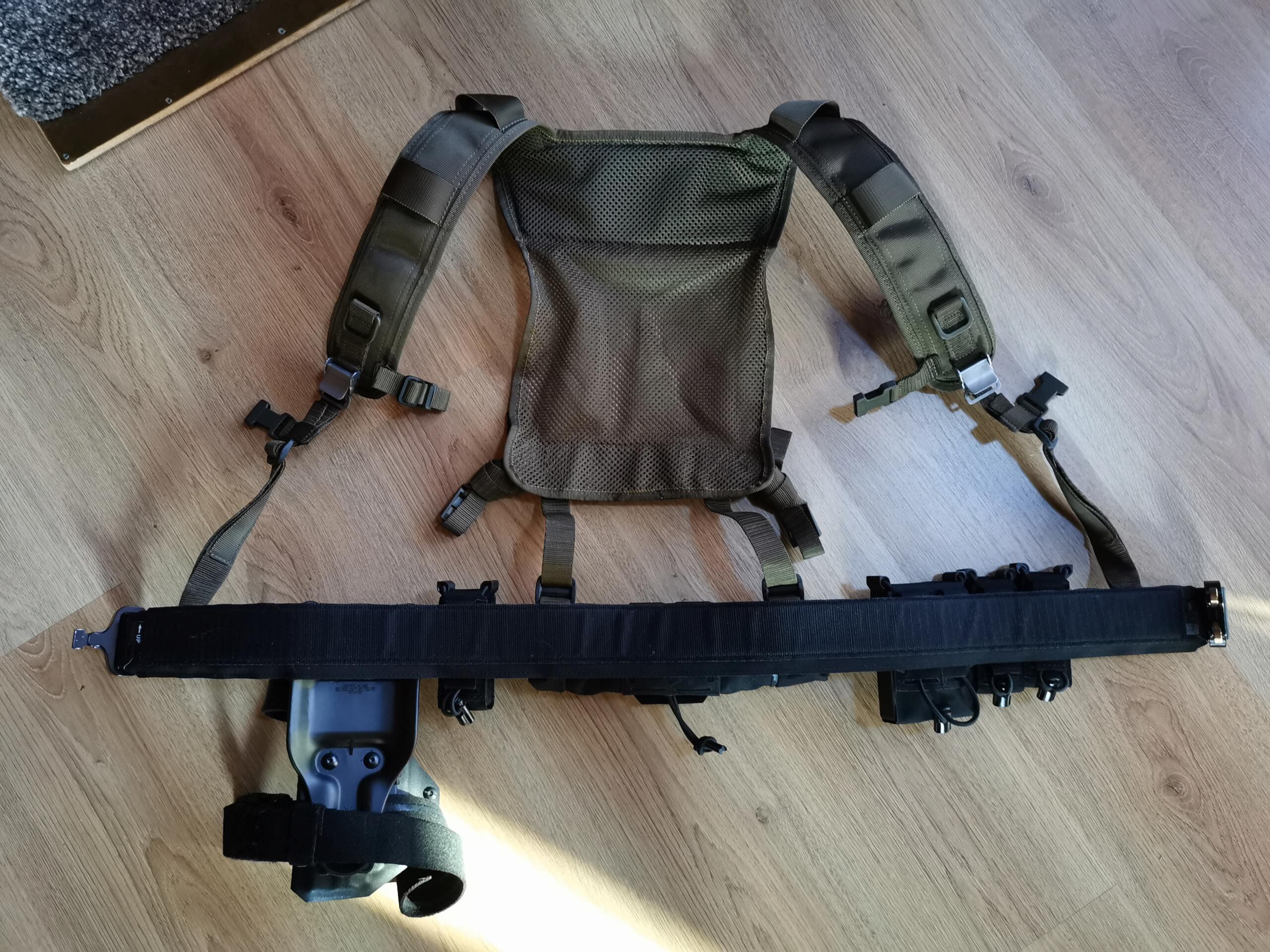 Recyclage du harnais de l'armée sur ma ceinture de charge 3413410