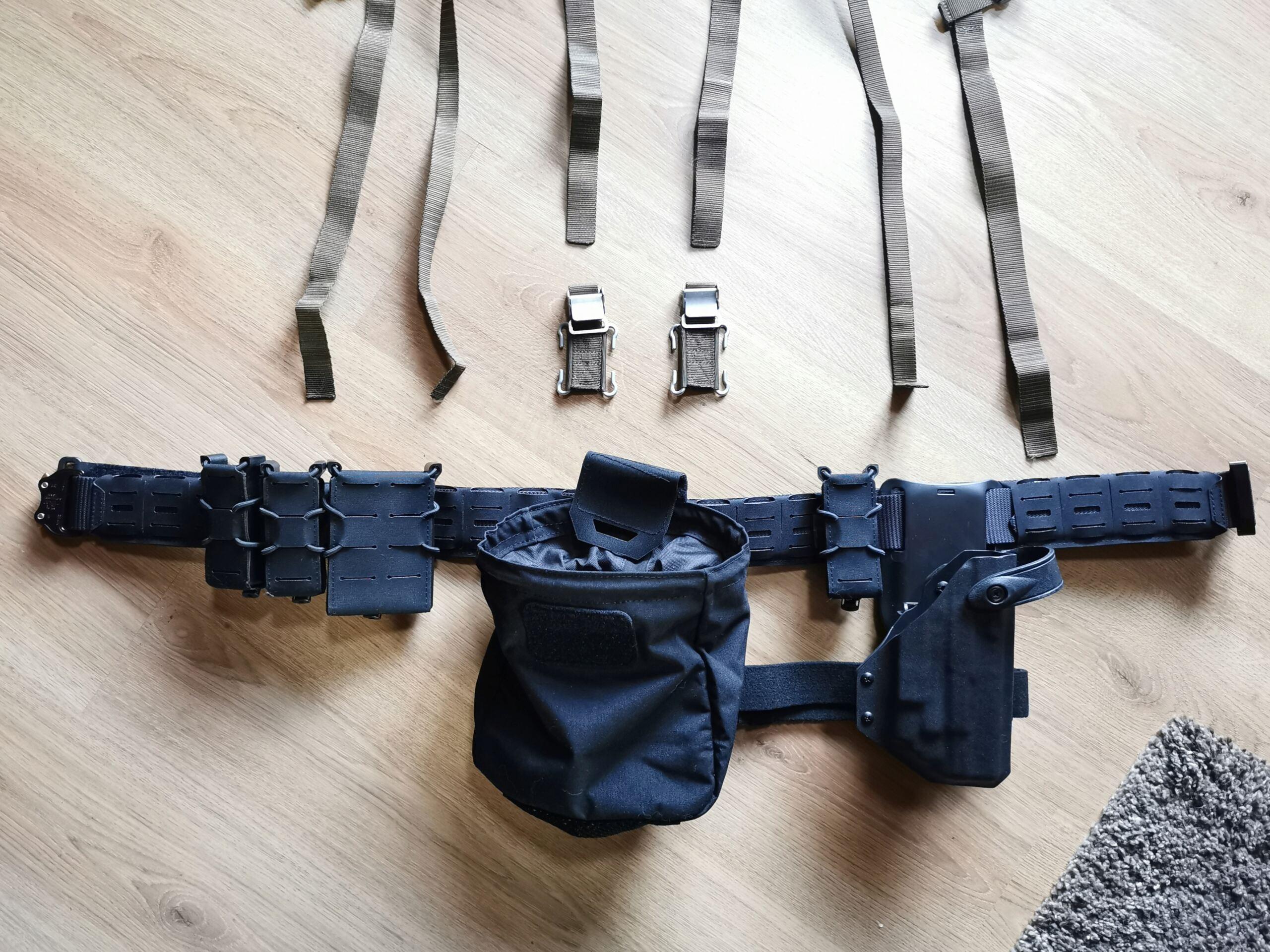 Recyclage du harnais de l'armée sur ma ceinture de charge Img_2060