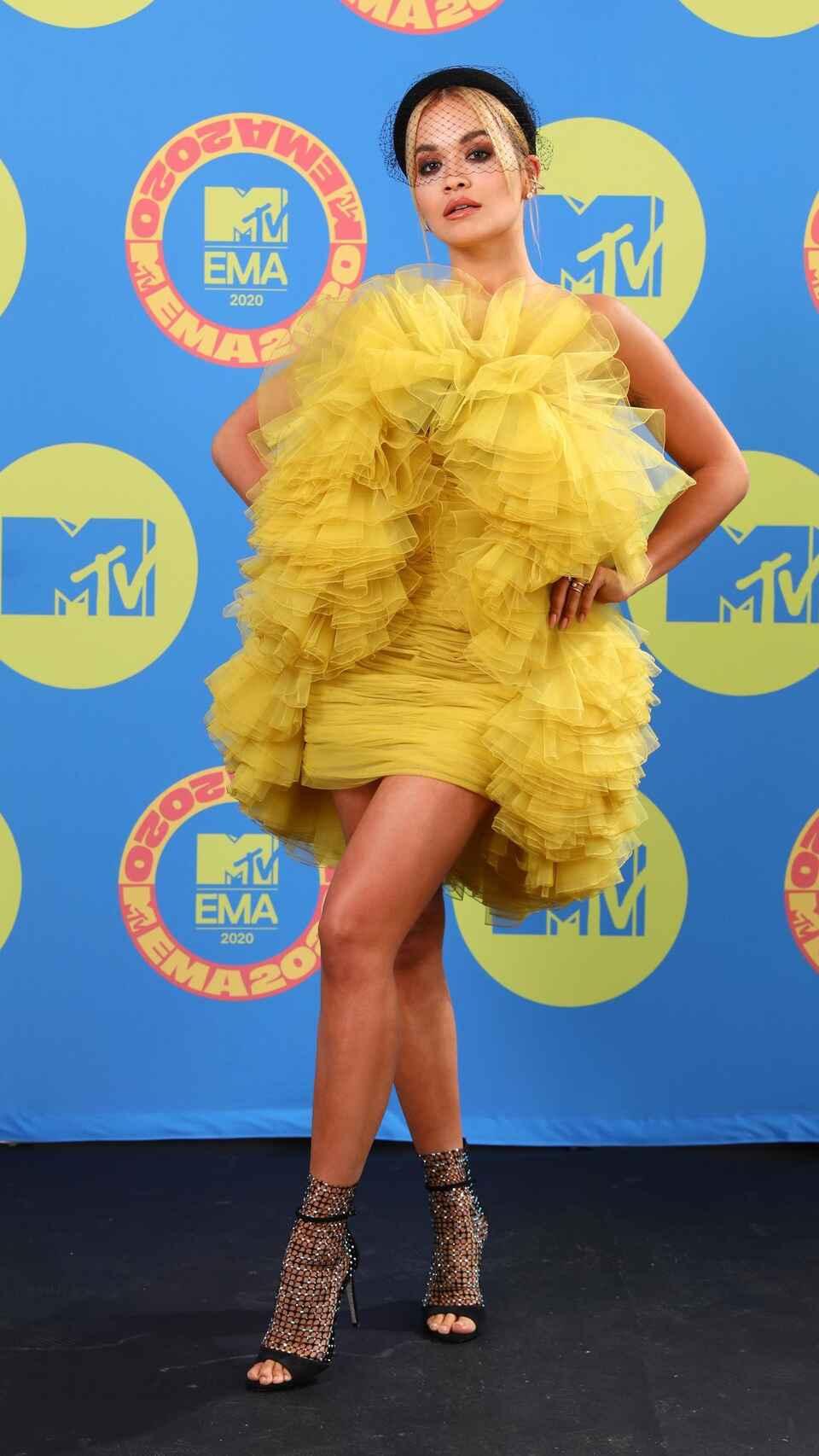 """Rita Ora >> EP """"Bang"""" - Página 2 Celebr10"""