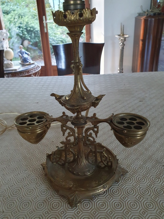 Pied de lampe bronze: objet à identifier 20210911