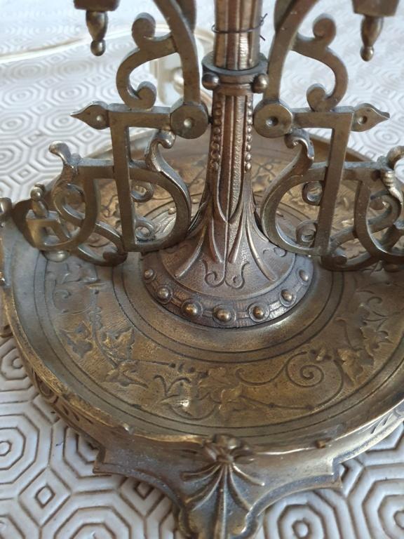 Pied de lampe bronze: objet à identifier 20210912