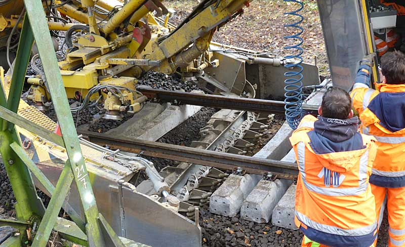 Gleisbauzüge im Einsatz Gbau0316