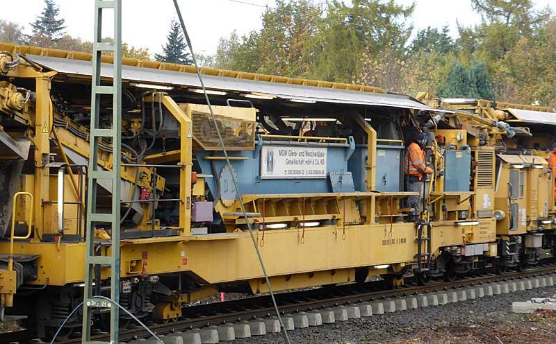 Gleisbauzüge im Einsatz Gbau0413