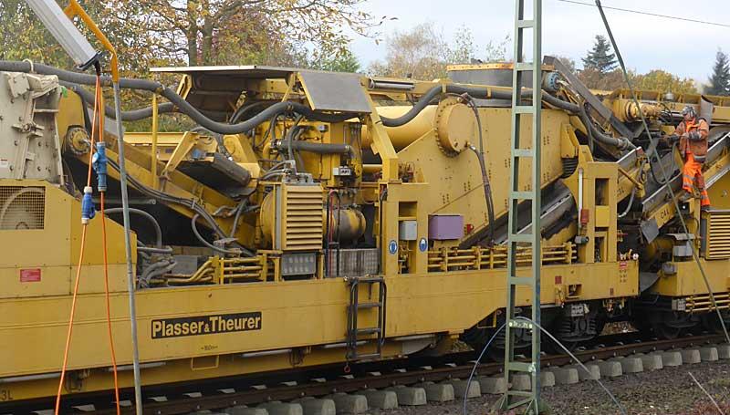 Gleisbauzüge im Einsatz Gbau0418