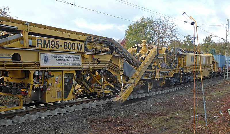 Gleisbauzüge im Einsatz Gbau0511