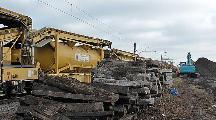Gleisbauzüge im Einsatz Gbau0517