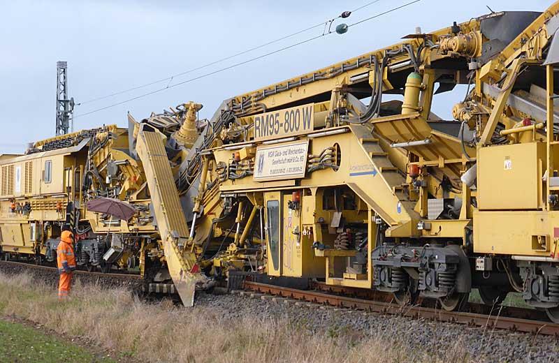 Gleisbauzüge im Einsatz Gbau0519