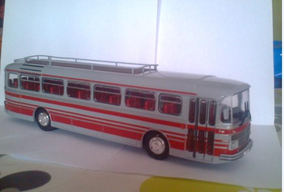 Les cars et bus miniatures - Page 14 Saviem19