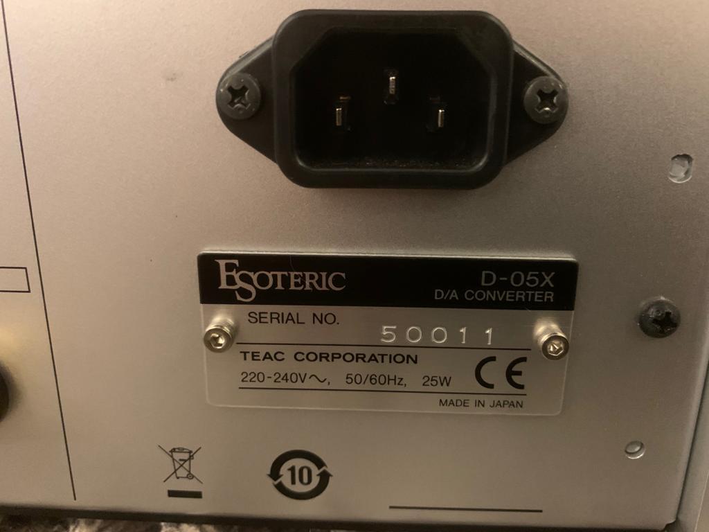 Esoteric D-05X 39b6ef10