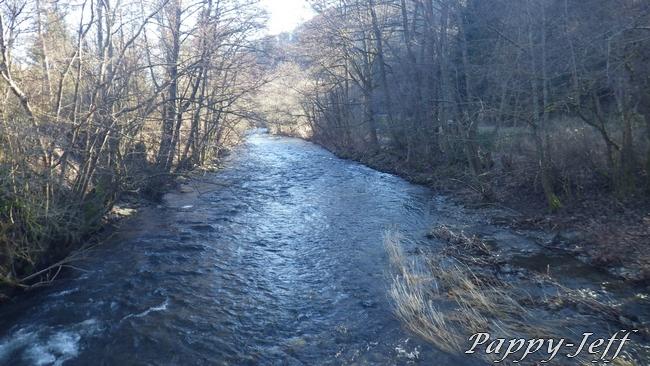 Un petit Ru le Vogelbach, une grande rivière la Thur 00510