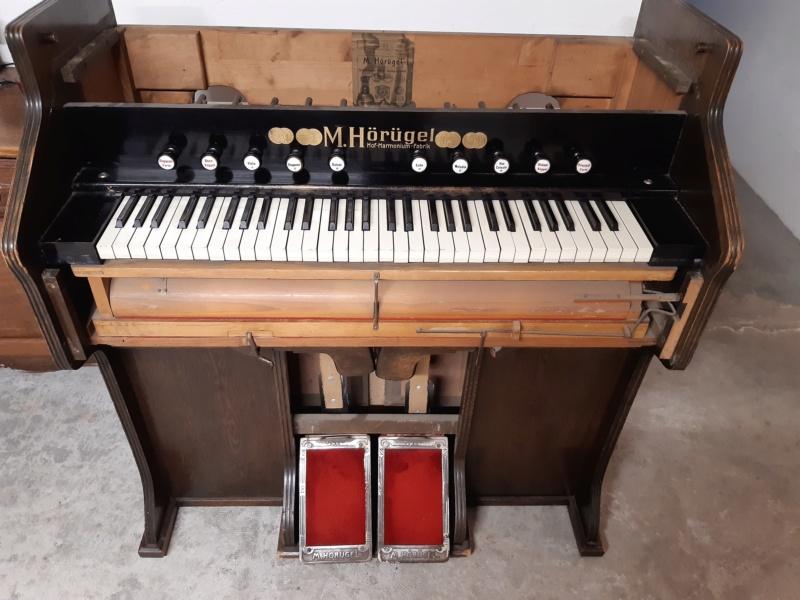 Mon harmonium (reed organ) Hörügel 20200611