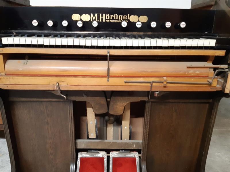 Mon harmonium (reed organ) Hörügel 20200612