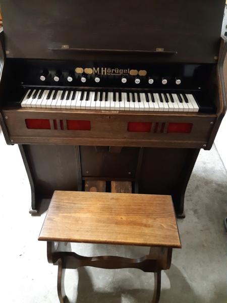 Mon harmonium (reed organ) Hörügel 20201016