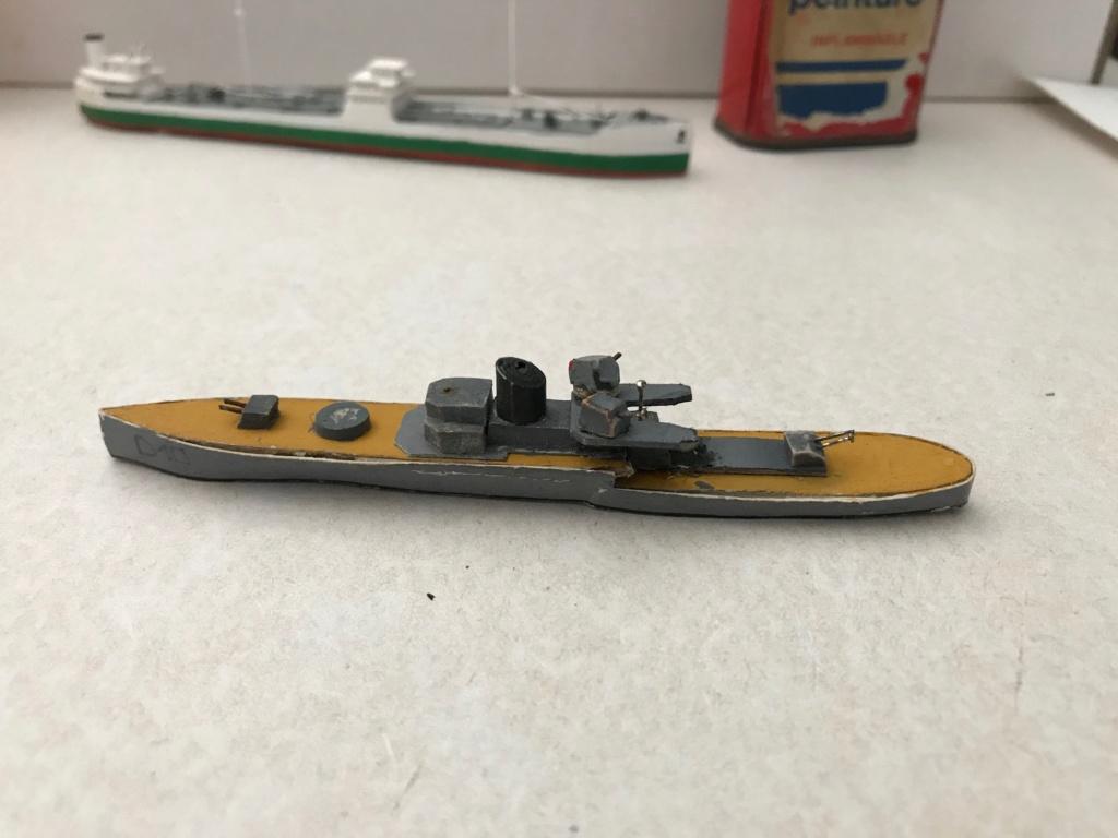 Croiseur de ligne Emile Bertin 1/1000  scratch carton Img_3616