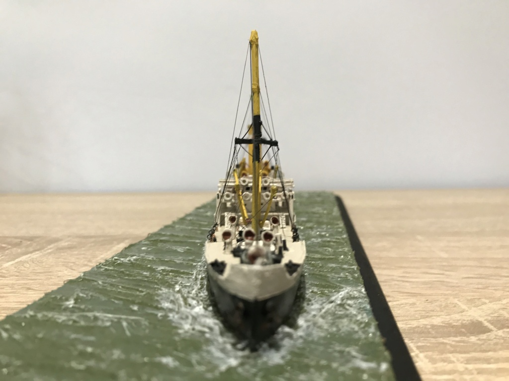 Dio : Amiral Duperré (scratch carton 1/500°) par PADOU35 Img_4042