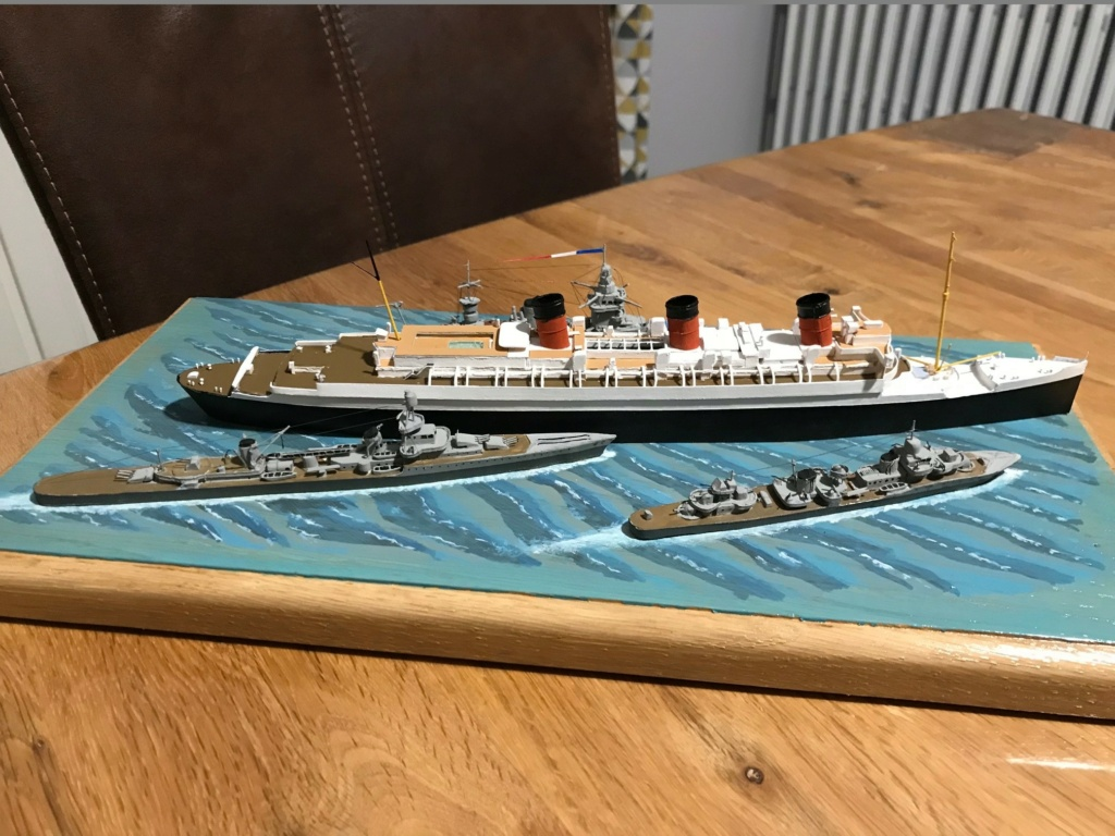 RMS Queen Mary I [scratch carton 1/1000°] de PADOU35 - Page 3 Img_4849