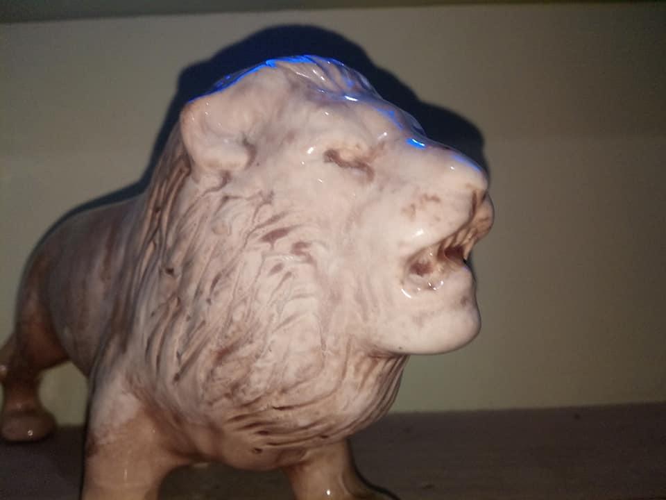 Large Trickle Glazed Male Lion Cl_big10