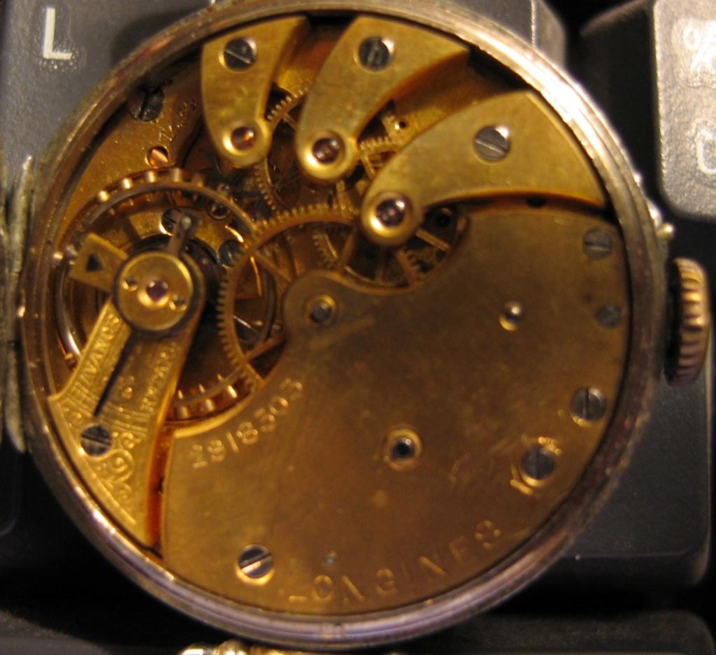 11 novembre 1918. Montres et horloges - Page 2 Mouvem10